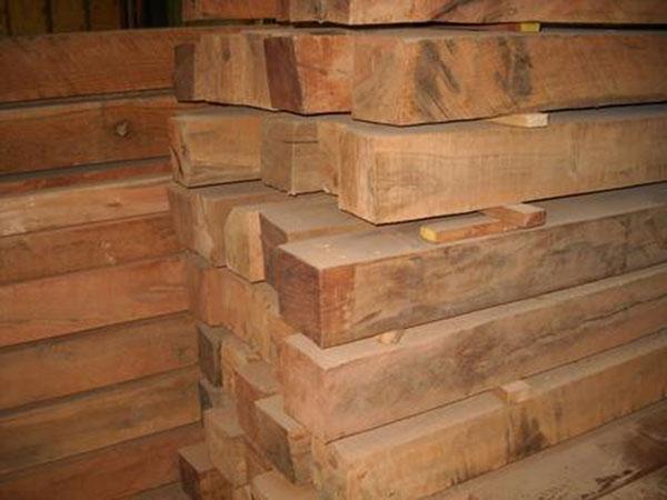 Vigas de roble vigas y pontones vigas de roble de - Precio madera de roble ...
